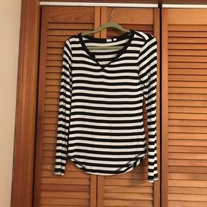 Gap striped long sleeve size XS